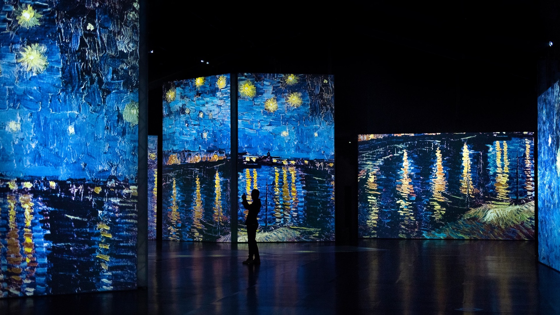 You can walk inside Van Gogh paintings at The Dali Museum's new exhibit